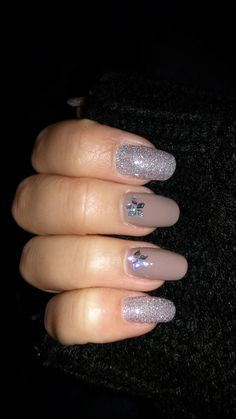 Silver and gray nails