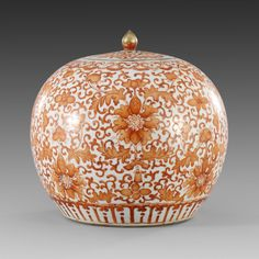 An iron-red ginger jar and cover, Qing dynasty Chinoiserie Chic, Chinese Ceramics, Japanese Painting, Qing Dynasty, Ginger Jars, Chinese Art, Asian Art, Ceramic Art, White Ceramics