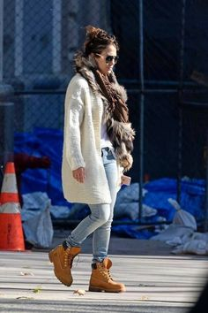 4bb8b2d77293 I m sure you know about Timberland boots and maybe already have a pair.  Here are some inspiring fall outfits for girls showing how to style them.