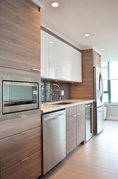 60 Contemporary Wooden Kitchen Cabinets For Home Inspiration. Choosing the perfect wooden kitchen cabinets for your home is not as simple as it might appear. Best Kitchen Designs, Modern Kitchen Design, Interior Design Kitchen, Diy Interior, Interior Modern, Coastal Interior, Interior Decorating, Modern Luxury, White Contemporary Kitchen