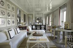 When renovating his amazing Madrid apartment, Luis Bustamante decorated with his favorite color - white!