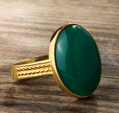 Men's Ring 10k Gold with Green Agate, Natural Stone Ring for Men #mensvintagering #handmademensring #musthavejewelry #mensonyxring #mensturquoisering #mensagatering #mensgoldring #mensaccessories #jewelsformen #mensjewelryfashion #mensjewelryshop