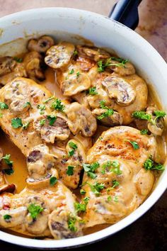 Creamy Chicken Marsala - Recipes de- Cremiges Hähnchen Marsala – Rezepte de A creamy and delicious classic Italian dish that is ready in less than 30 minutes! The creamy sauce is full of flavor and mushrooms and is […] - Poulet Masala, Best Italian Recipes, Favorite Recipes, Traditional Italian Recipes, Authentic Italian Recipes, Classic Italian Dishes, Italian Menu, Chicken Recipes, Pasta Recipes