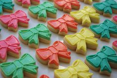Colourful, sparkly miniature bows  www.ibakery.ca