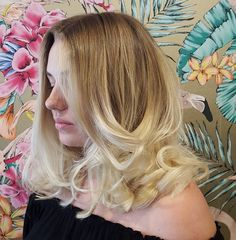 The perfect tosseled Blonde #weekendfeels. Maintain your locks with regular cuts & styling just like this Blondie who we see every 8 weeks . Our client's colour was done with us a couple of months ago and still looks amazing!  #hairbyemmaobrien #sydneyhairsalons #theradicalhairdesign #wellafamily #welovetocolour #thehills #dural #hairinspo #bouncyblowdry #blondes #blondelife #cleanblonde #sydneysbestcolourists