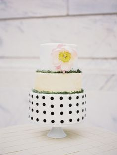 Contemporary wedding cake: http://www.stylemepretty.com/ohio-weddings/cleveland/2014/06/26/gold-and-blush-wedding-inspiration-at-the-cleveland-museum-of-art/ | Photography: Studio Elle - http://studioellephotos.com/