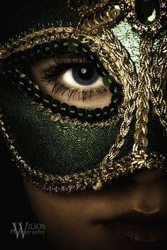 "gold green mask zoOm ""Mykael II"" by Danny Wilson Dussert Dussert… Masquerade Party, Masquerade Masks, Beautiful Mask, Carnival Masks, Venetian Masks, Green And Gold, Character Inspiration, Design Inspiration, Eyes"