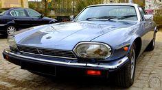 Rendez-vous mensuel de L'Isle-Adam (95) . Parc du château Conti - jean-pierre Marche -Jaguar XJS V12