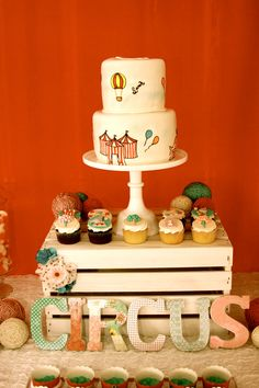 Vintage Bubble Gum Circus Party Feature: The Cake