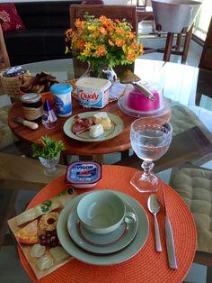Café da manha laranja e verde