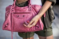 Trend Spotting Honeysuckle Pink Interiors in Design f85563adce021