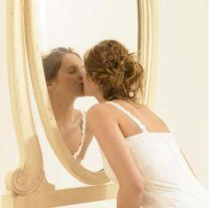 """""""Amar ao próximo inclui principalmente ter amor próprio, pois o mais próximo que você tem de si é você mesmo""""."""
