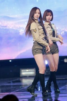 SinB and Eunha (Gfriend) Kpop Girl Groups, Korean Girl Groups, Kpop Girls, Sinb Gfriend, Sexy Socks, Beauty Contest, My Wife Is, G Friend, Stage Outfits