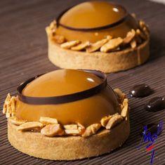 For Sale Coffee Machine Individual Desserts, Fancy Desserts, Fancy Cakes, Mini Cakes, Patisserie Design, Patisserie Fine, French Patisserie, Tart Recipes, Dessert Recipes