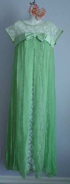 Vintage 1960s A Dress Town Original White Lace and Kelly Green Chiffon Evening Wedding Bridesmaid Formal Gown on Etsy, $119.12 CAD