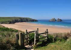 """We've handpicked our favourite family campsites across the UK to inspire you and your family where stay and what to do if you're still searching for the perfect camping holiday. Trevornick – Newquay, Cornwall """"Embrace the freedom of the outdoors"""" … British Beaches, Uk Beaches, Devon And Cornwall, Cornwall England, Newquay Cornwall, Yorkshire England, Yorkshire Dales, Cornwall Coast, Newquay Beach"""