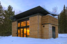 A modern, minimalist home that spans just 340 sq ft. Deigned by Revelations Architecture of Bayfield, Wisconsin.