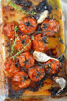 Tomates rôties et confites au four {recette maison facile et délicieuse - vegan et sans gluten}