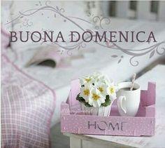 Tazza  mug in total White, cucchiaino in rosa... Maxwell and Williams. ..per una buona domenica. .. all'insegna del relax. ..♥ Acquistala su www.tiffanystore.eu