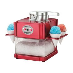 Make your own Snow Cones and Slushies! Snow Cone and Slush Maker Cool Kitchen Gadgets, Home Gadgets, Small Kitchen Appliances, Cool Kitchens, Cooking Gadgets, Kitchen Small, Kitchen Dining, Slushie Machine, Frozen Drink Machine