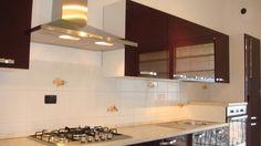 Mobila Bucatarie cu Usi MDF Vopsit Mov Lucios cu Manere Nichelate Kitchen Cabinets, Table, Furniture, Design, Home Decor, Granite, Decoration Home, Room Decor, Kitchen Base Cabinets