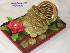 Изображение с кодом 6348957 Cupcake Crafts, Edible Crafts, Chocolate Pack, Chocolate Gifts, Engagement Ring Platter, Chocolate Flowers Bouquet, Candy Centerpieces, Trousseau Packing, Edible Bouquets