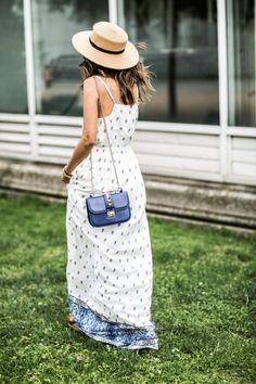 A straw hat is a perfect way to look super stylish in summers and also beat the heat. Let's look at cute straw hat outfits that you can wear this summer. Outfits With Hats, Chic Outfits, Fashion Outfits, Fashion Clothes, Paisley, Sassy Diva, Closet Accessories, Her Style, Lace Skirt