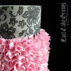 Our new favorite use for our Edible Fabric Sheets-Ruffles! Paired with our Floral Lace Netting Mesh Stencil...Gah!!