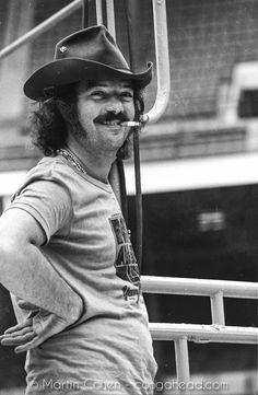 Larry Harlow at rehearsal at Yankee Stadium in the Bronx for the August 1973 Fania All Stars concert Music Icon, My Music, Larry, All Star, Latino Artists, Musica Salsa, Salsa Music, Puerto Rico History, Latin Music