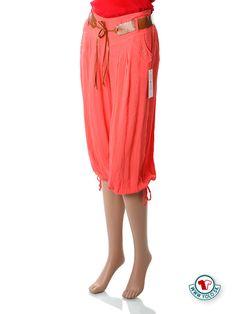 Oranžové dámske krátke nohavice Y.L.D.  Pohodlné voľné jemné letné krátke dámske nohavice s vybíjanými vreckami na bokoch, so širokou gumou na páse a žabkovaním s koženkovým opaskom. Nohavice sa naspodu sťahujú šnúrkou. Látka je veľmi jemná kombinácia bavlny a viskózy.  http://www.yolo.sk/damske-kratke-nohavice/oranzove-damske-kratke-nohavice-pod-kolena-yld
