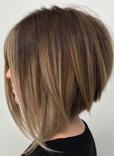 30 Must-Try Medium Bob Hairstyles – Beauty Hacks Short Curly Hairstyles For Women, Pretty Hairstyles, Bob Hairstyles, Pixie Haircuts, Short Hair Model, Short Hair Cuts, Medium Hair Styles, Curly Hair Styles, Hair Color And Cut