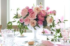 Design Your Own Stunning Centerpiece - ELLEDecor.com