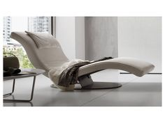 ART - Contemporary chaise longue / leather by Dall'Agnese Industria Mobili Bedroom Furniture, Home Furniture, Furniture Design, Tatami Bed, House Roof Design, Cheap Sofas, Elegant Sofa, Beautiful Sofas, Single Sofa