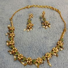 Fashion earing and necklace set Great for party's or going to church. I never wear it just in my jewelry box. This is a chucker necklace Jewelry Necklaces