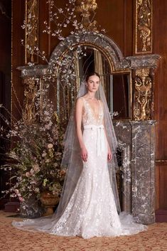 Etoile by Monique Lhuillier Spring 2019 embroidered tulle plunging V-neck trumpet gown natural waist Wedding Dress Brands, Popular Wedding Dresses, Beautiful Wedding Gowns, Bridal Dresses, Bridal Gown, Wedding Veils, Dress Wedding, Perfect Wedding, Bridal Looks