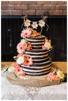 Rachel Solomon Photography Blog | Jenna and Ben – Scottsdale Wedding at ASU Kerr Cultural Center | Chocolate Naked Wedding Cake