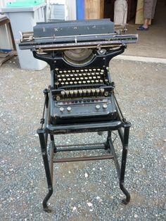 antique rare 1930s underwood typewriter no 6 with green glass keys decimal tabulators and. Black Bedroom Furniture Sets. Home Design Ideas