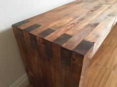 Made a box joint bench for my guest bedroom - inspired by Mike at modernbuilds.com. hope you like! : DIY