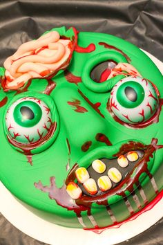 zombie decorations - Google Search | Cakes / cupcakes | Pinterest ...
