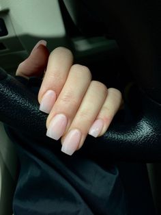 Keep your nails shiny and bold. Just take care when picking a color and attempt to imagine if it is going to look really beautiful on your nails. Generally, the nails are polished in a normal way. Cute Spring Nails, Spring Nail Art, Nail Designs Spring, Nude Nails, Coffin Ombre Nails, Coffin Nails Short, Prom Nails, Natural Nails, Natural Nail Shapes