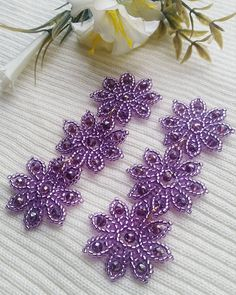 flower earrings. #purple #flowerearrings #aretesdeflores