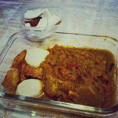 Marmitando! Hoje tem torresmo inhame cozido e caldinho de abóbora (com casca) com calabresa. De sobremesa e/ou lanche tem coco fresco. Tem como não gostar? Gordura linda de mamãe!  #paleolifestyle #paleodiet #dietapaleolítica #dietacetogenica #cetose #adietadosnossosancestrais #lchf #lowcarb #highfat #primal #ketodiet #keto #eatclean #comidadeverdade #comacomida #semglúten #semgrãos #saciedade by rebeca_sreis