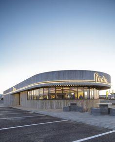 KRADS - krads.info / Stöðin - Roadside Stop / Location: Borgarnes, Iceland. Restaurant, drive trough, Convenience store and gas station.