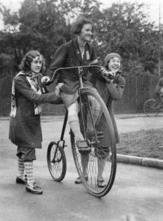 women on bicycles | vintage women on bikes