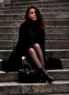 Black and Gold // Mustaa ja kultaa  http://uino.indiedays.com/2014/11/22/uino-wears-prada/