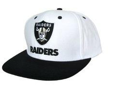 512359bd819 LOS ANGELES LA RAIDERS Shield   Script Snapback Hat - NFL Cap - 2 Tone  White Black  Amazon.co.uk  Sports   Outdoors