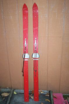 "ANTIQUE WOOD DOWNHILL YOUTH SKIS W/BINDINGS - 55"" - GREAT WALL HANGARS"