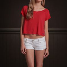 Hollister Co. Northside Tee for Bettys    I would love to wear this outfit this summer , its comfortable and it brings out my shape.