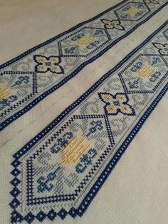 Cross Stitch Borders, Cross Stitch Patterns, Palestinian Embroidery, Bargello, Loom Weaving, Couture, Bohemian Rug, Diy Crafts, Knitting