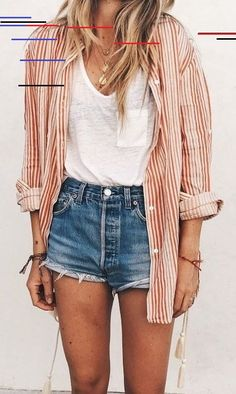 10 summer outfits with mini shorts without seeing you vulgar , Shirts. This point is super important, especially if you want to adapt your looks for city or beach without seeing yourself vulgar. For the city . Jeans Outfit Summer, Outfit Jeans, Cute Summer Outfits, Spring Outfits, Trendy Outfits, Women's Jeans, Bbq Outfit Ideas Summer, Winter Outfits, Basic Outfits
